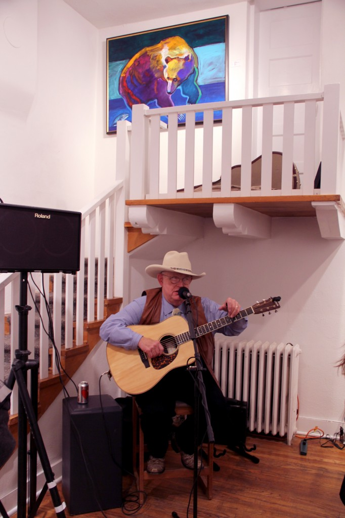 A few galleries hosted live music, in addition to the delicious food